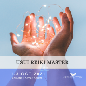 open palms holding sparkles of light representing Reiki Course