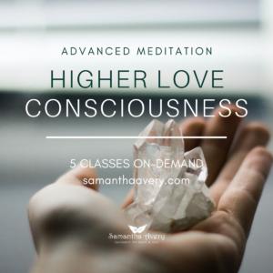 hand-holding-clear-quartz-crystal-cluster rpelesenting meditation