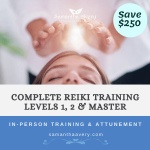 reiki practitione healing hands over head of patient representing reiki courses in Sydney